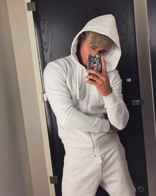 This white zipper Hoodie anyone?? - SeenIt