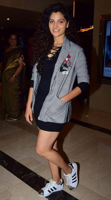 Looking for this black lace up dress, grey checkered jacket and white sneakers that Saiyami Kher is wearing. - SeenIt