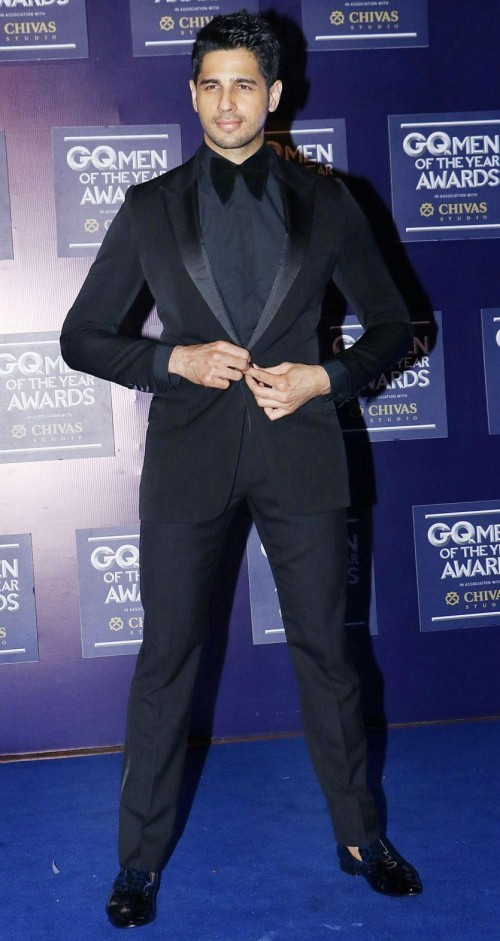 Yay or Nay? Sidharth Malhotra attends the GQ Men of the year awards 2017 - SeenIt