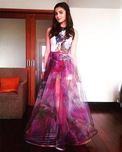 Want this printed dress which Alia Bhatt is wearing for Shaandaar promotions - SeenIt