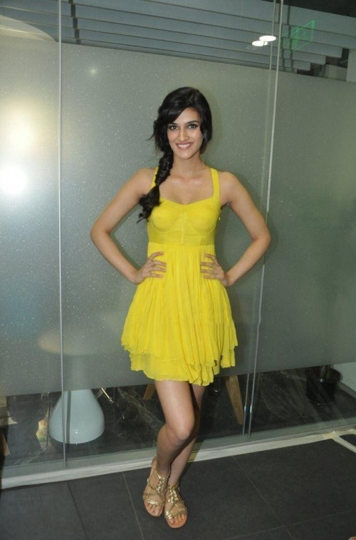I'm looking for the same yellow dress which Kriti Sanon is wearing - SeenIt