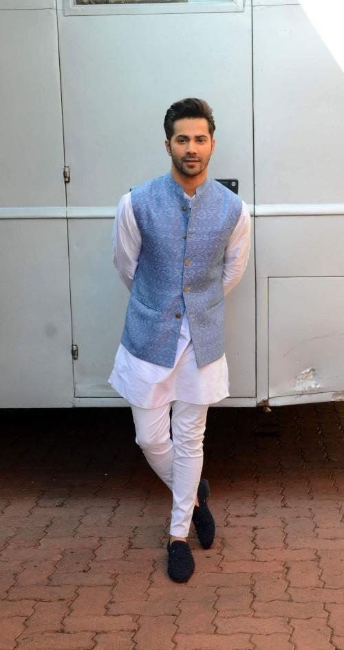 Varun Dhawan kurta pyjama diwali look