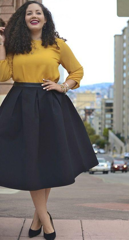 i' m looking for the same black pleated midi skirt - SeenIt