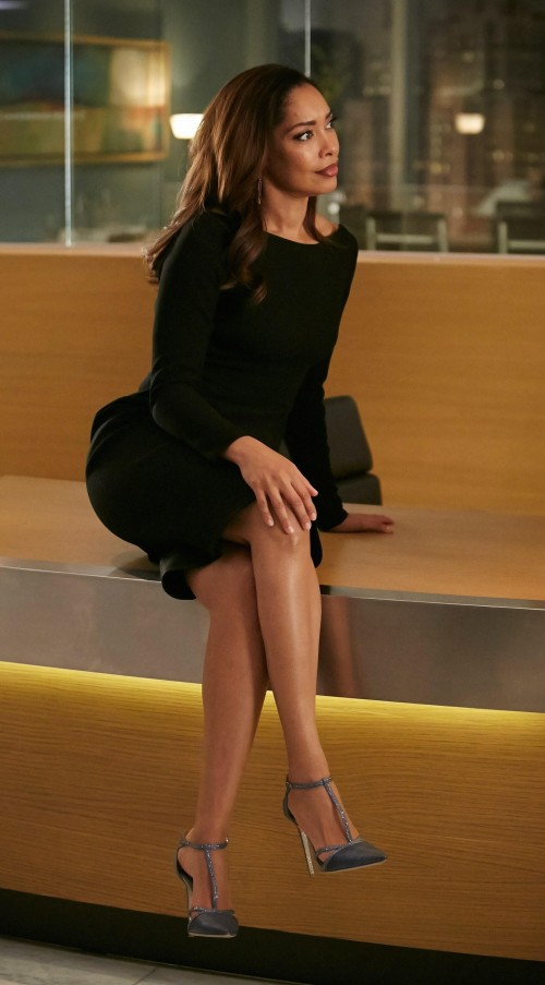 want a similar black bodcyon full sleeve dress like jessica pearson is wearing in suits - SeenIt