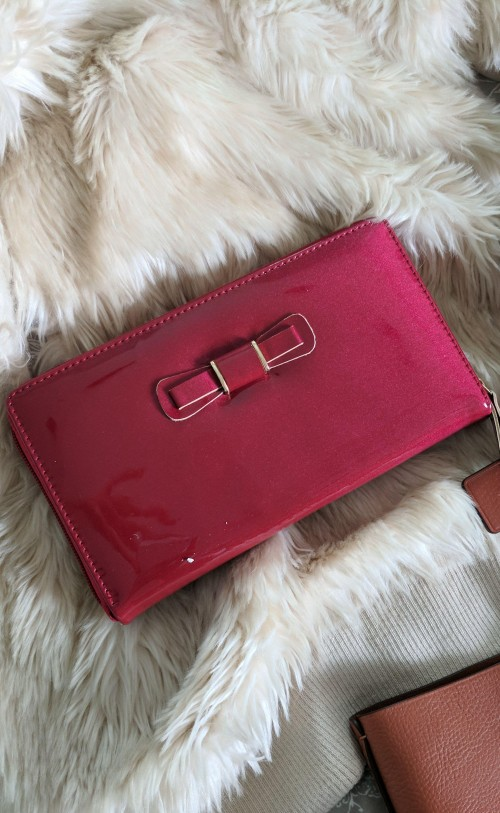 Want this similar bow clutch bag - SeenIt
