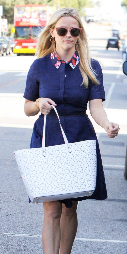 Looking for the white tote bag that Reese Witherspoon is wearing - SeenIt
