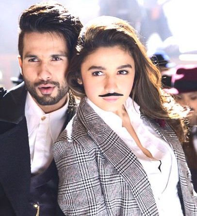 Where can I find a check jacket like Alia's one in Shaandaar? Totally loving it! - SeenIt