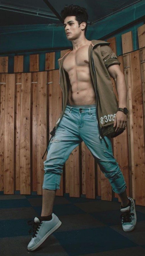 looking for same outfit which Priyank Sharma is wearing - SeenIt