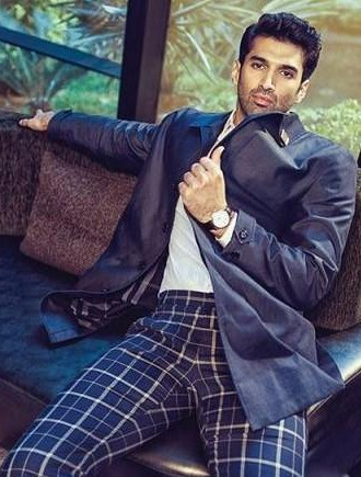 help me find similar plaid pants of any colour and a black blazer which Aditya Roy Kapoor is wearing! - SeenIt