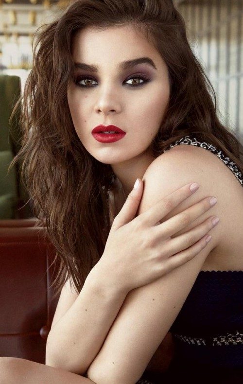 Looking for the similar red lipstick and the eyeshadow that Hailee Steinfeld is wearing - SeenIt