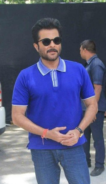 c81c107deea help me find a similar blue tshirt and a pair of glasses which anil kapoor  is