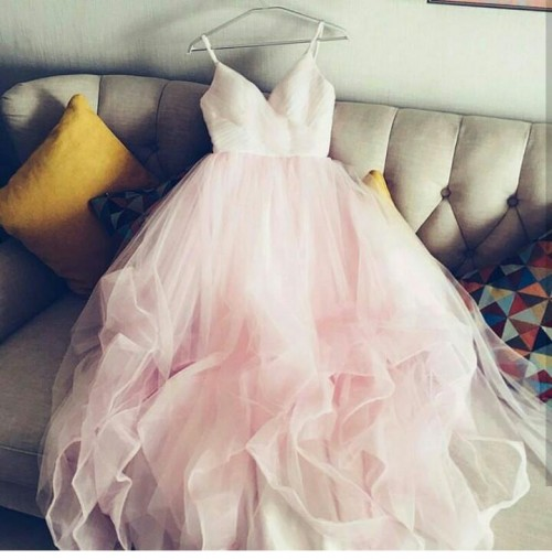 I'm looking for this pink tulle strappy dress - SeenIt