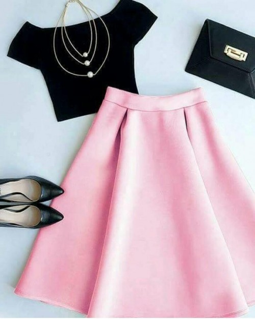 I'm looking for the whole outfit, the pink pleated midi skirt and black tshirr crop top - SeenIt