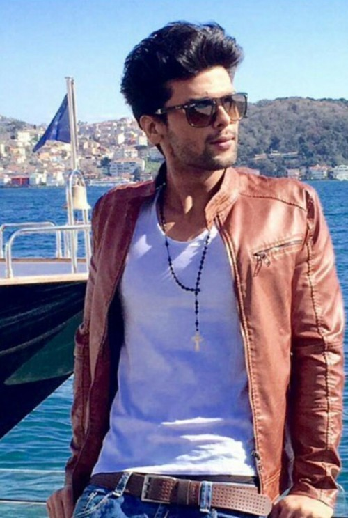 help me out find a similar jacket and a belt which kushal tondon is wearing - SeenIt
