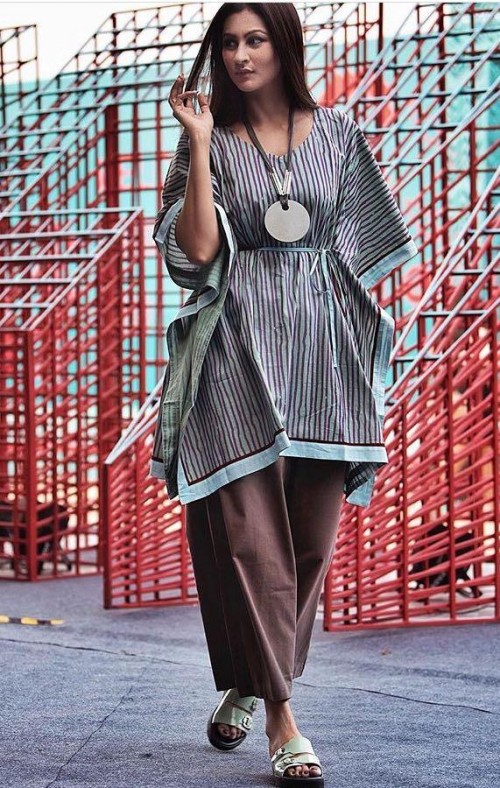 Yay or Nay? Blogger Mscocoqueen wearing a pair of dhoti pants and a kimono kurta at the Amazon fashion week spring summer day 2 - SeenIt