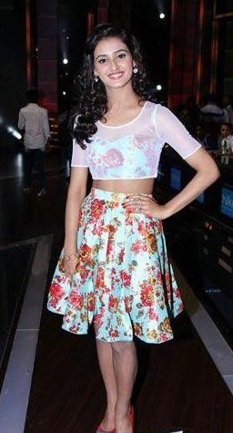 i want this same floral print crop top and skirt - SeenIt