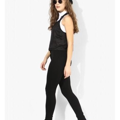 need black top and skinny jeans - SeenIt