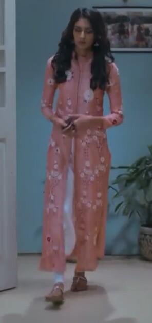 looking for exact pink  printed kurta which Erica Fernandez is wearing - SeenIt