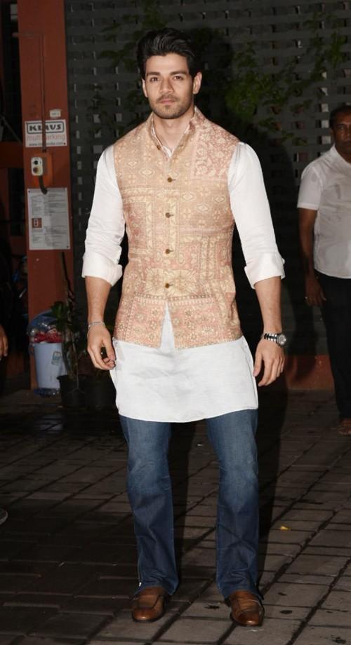 Yay or Nay? Sooraj Pancholi wearing a printed nehru jacket and jeans attire at Arpita Khan's diwali party recently - SeenIt