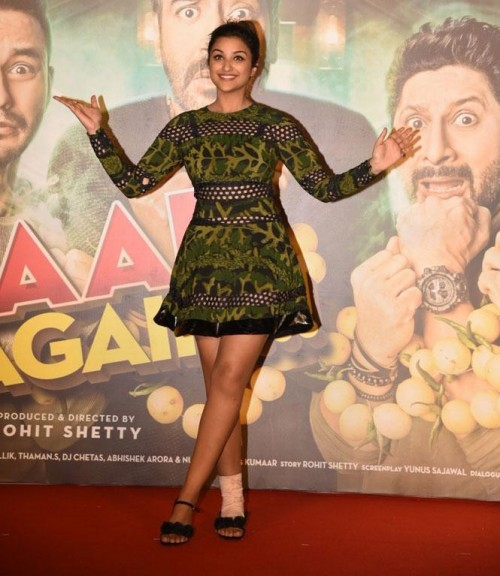 I am looking for same outfit which Parineeti Chopra is wearing for Golmaal promotions - SeenIt