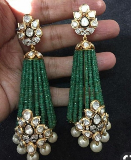 looking for the exact same earrings - SeenIt