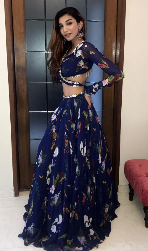 find me a similar blue floral outfit which juhi godambe is wearing! - SeenIt