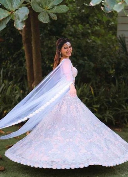 looking for the same lehenga which Samantha Ruth Prabhu is wearing 😍 - SeenIt