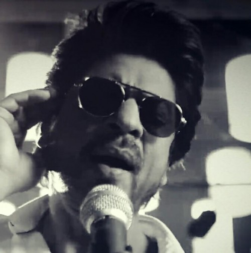 be6421ad13c i am looking for the similar black aviators sunglasses which Shahrukh Khan  is wearing - SeenIt