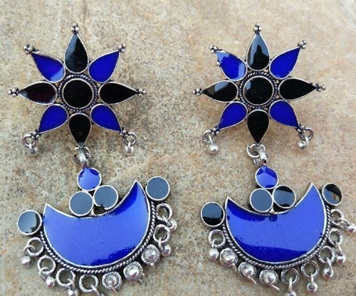 Want this blue earring - SeenIt