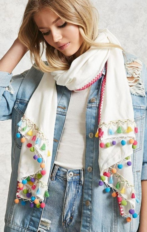 looking for a smilar white pompoms scarf - SeenIt