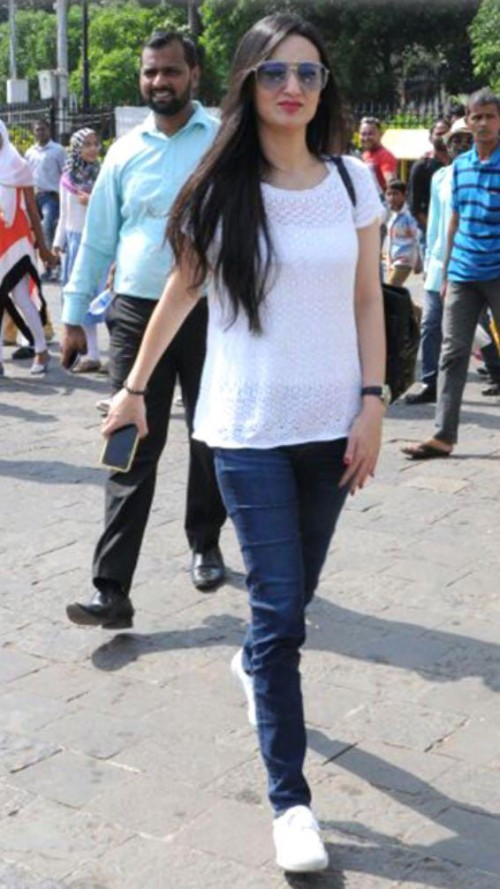 Latest elliavram looks and outfits online | SeenIt