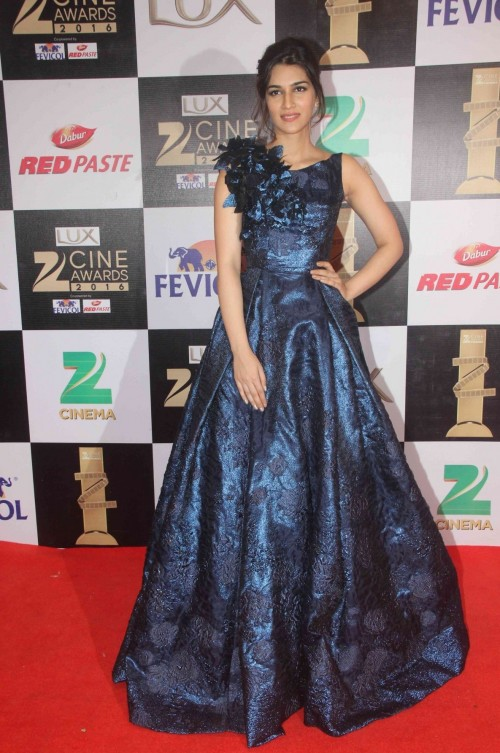 Current It-Girl of Bollywood Kriti Sanon was dressed in this gorgeousHamda Al Fahim gown - SeenIt