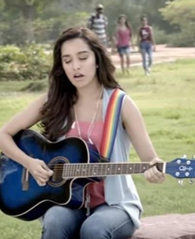 Shraddha Kapoor's guitar in the movie half girlfriend - SeenIt