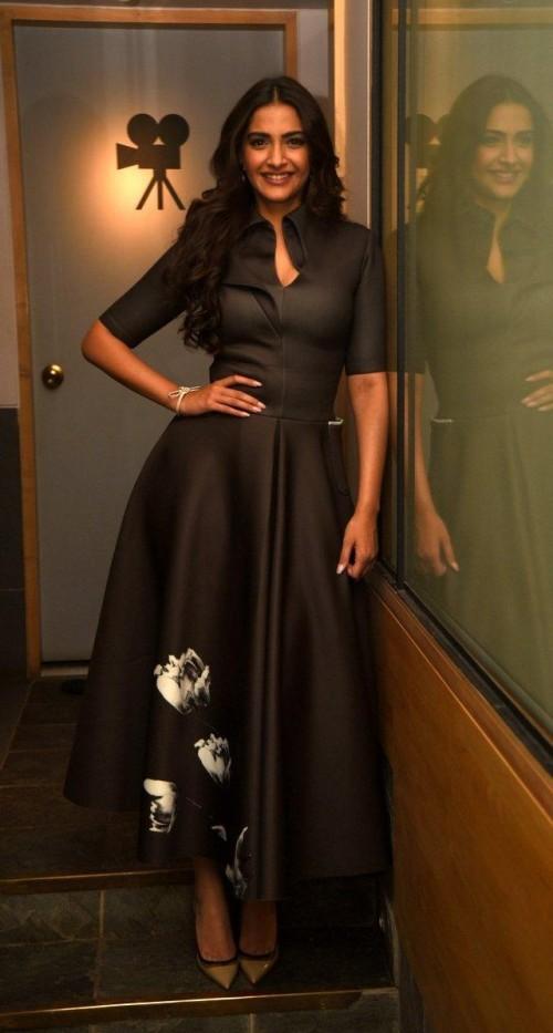 Shop sonamkapoor, dress on SeenIt - 46181