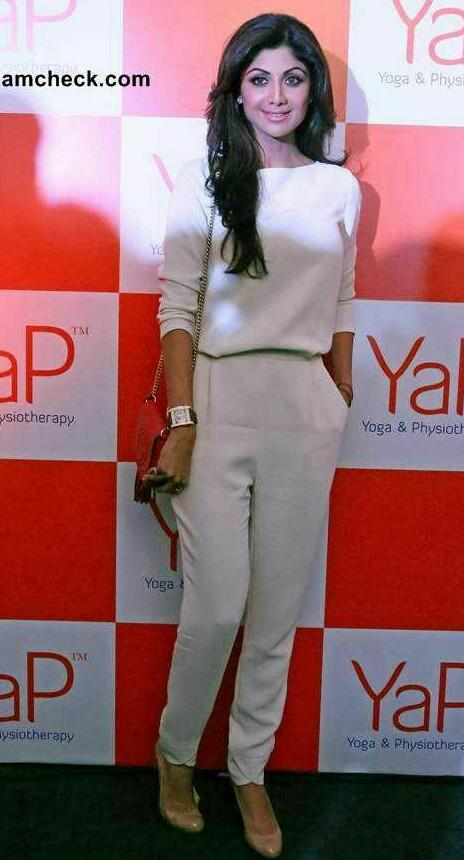 Shilpa Shettys White Outfit from YaP launch - SeenIt