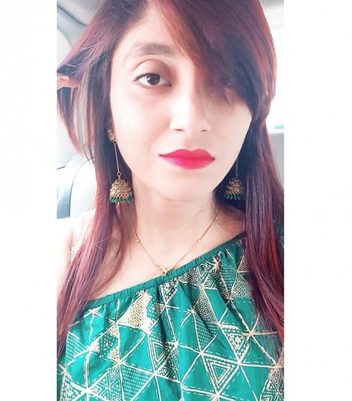 hows this red lipstick shade ? - SeenIt