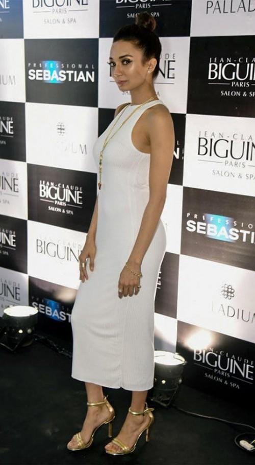 ira dubey white bodycon midi dress at Jean Claude Biguine SS 2016 Collection Launch - SeenIt
