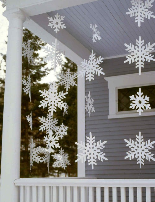 This white snowflakes decorations for christmas - SeenIt