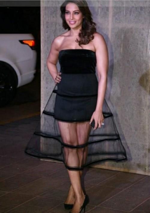 Bipasha Basu's black tube midi dress which she wore for Manish Malhotra's party - SeenIt