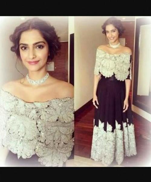 Sonam Kapoor's off shoulder gown - SeenIt