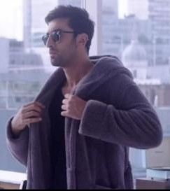 Ranbir Kapoor's jacket in the movie Ae Dil Hai Mushkil - SeenIt
