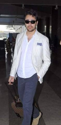 This white shirt, blazer and navy blue pants that Imran Khan was wearing at the airport - SeenIt