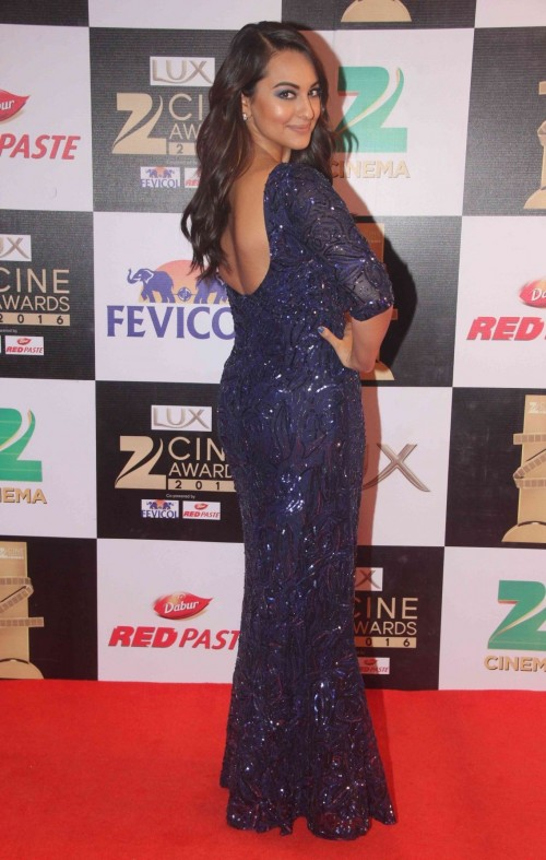 Isnt Sonakshi glowing in thissequinned column gown by Nadine Dhody? - SeenIt