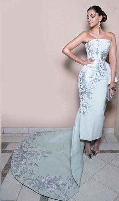 Yay or Nay? Sonam Kapoor in Ralph and Russo in Dubai - SeenIt