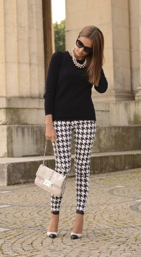 This houndstooth pants as seen in this picture - SeenIt