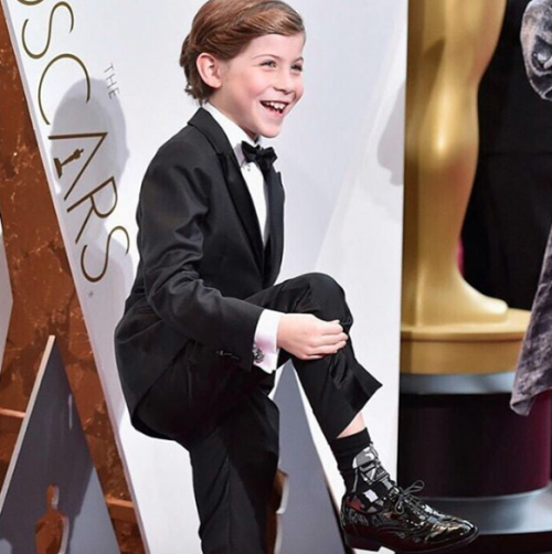 Everyone's Favourite actor Jacob Tremblay show off his Star Wars socks!!! <3 <3 - SeenIt