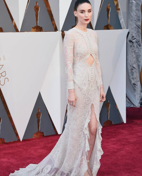 Effortlessly slaying the red Carpet.Rooney Mara wearing Givenchy Haute Couture. - SeenIt