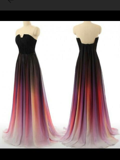 please find me this ombre pleated maxi tube gown - SeenIt