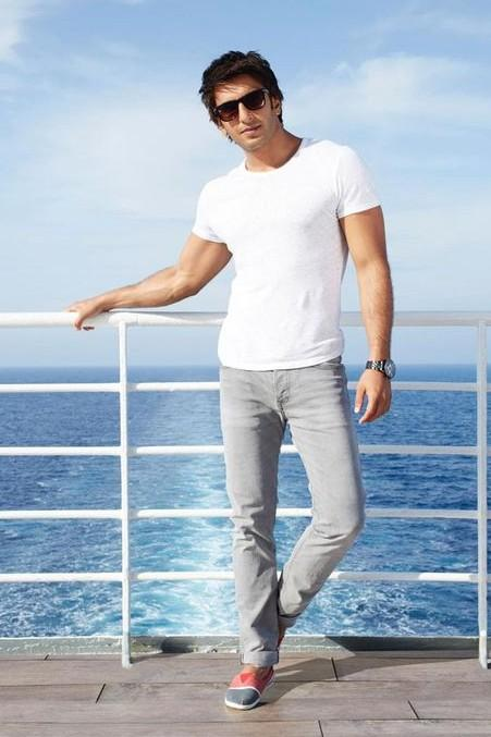 Want the white tee & grey pants that Ranveer is flaunting in Dil Dhadakne Do!! Indian sites pls - SeenIt