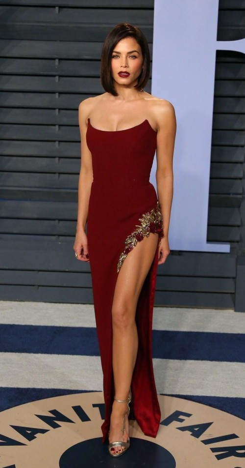e053324908 Jenna Dewan Tatum in this red slit tube gown at Vanity Fair